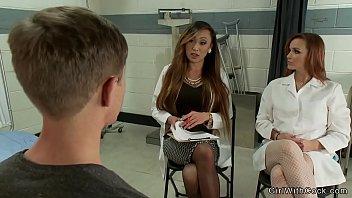 Pornstar Tranny Venus Lux Bangs Lab Technician pussy And Sissy Patient