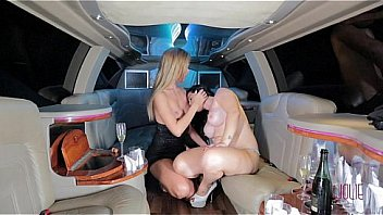 Blonde Transsexual Deep In Brunette Limo Pussy
